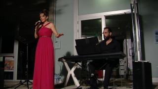 La soprano Charo Tris als jardins del Terrall