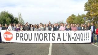 300 persones tallen l'N-240 per exigir a Foment les obres de desdoblament