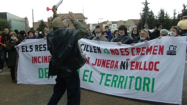 200 persones protesten a favor i en contra del projecte de la nova Tracjusa
