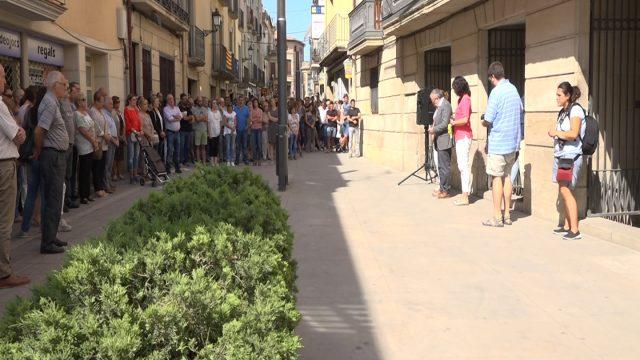 Més de 300 persones es concentren en suport de la darrera víctima mortal de l'N-240
