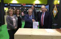 Sigantura de l'acord entre la UdL i l'Ajuntament de les Borges Blanques, en el marc de la Fira de l'Oli i les Garrigues 2018