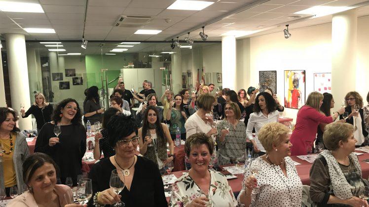 Tast de vins per a dones i VI Revetlla de Sant Jordi a la Biblioteca de Juneda