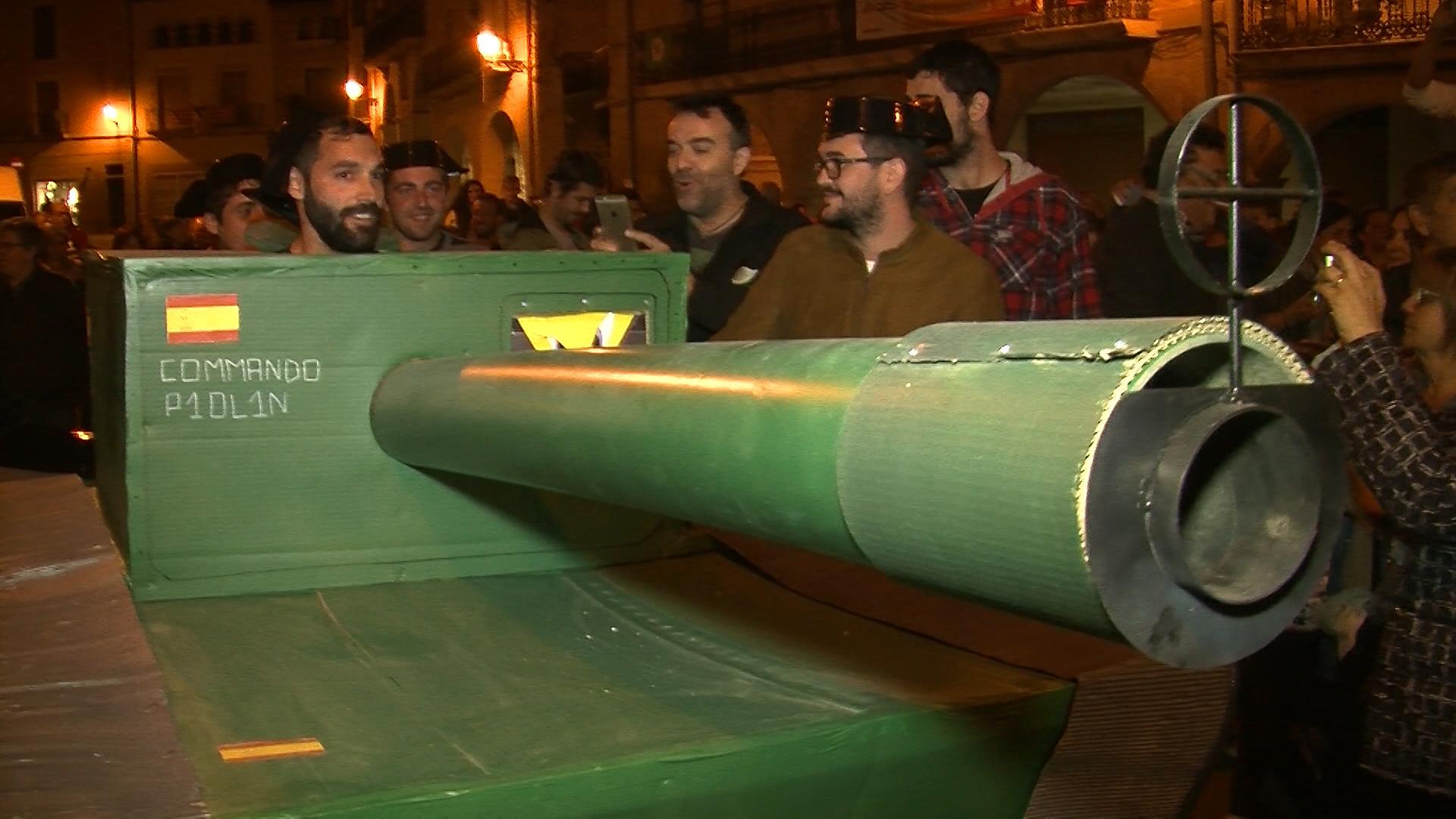 Concentració davant de l'Ajuntament de les Borges després de conèixer la sentència del judici contra el procés