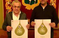Enric Mir i Jordi Ribalta amb el cartell oficial de la 55a Fira de l'Oli i les Garrigues