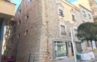 Una façana que s'està arranjant actualment al Centre Històric de les Borges Blanques