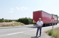 Enric Mir en un tram de l'N-240, plena de camions1