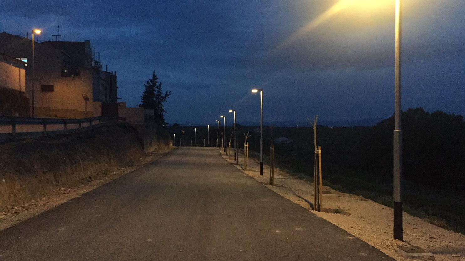L'Ajuntament de les Borges instal·la enllumenat al Camí del Cementiri Vell