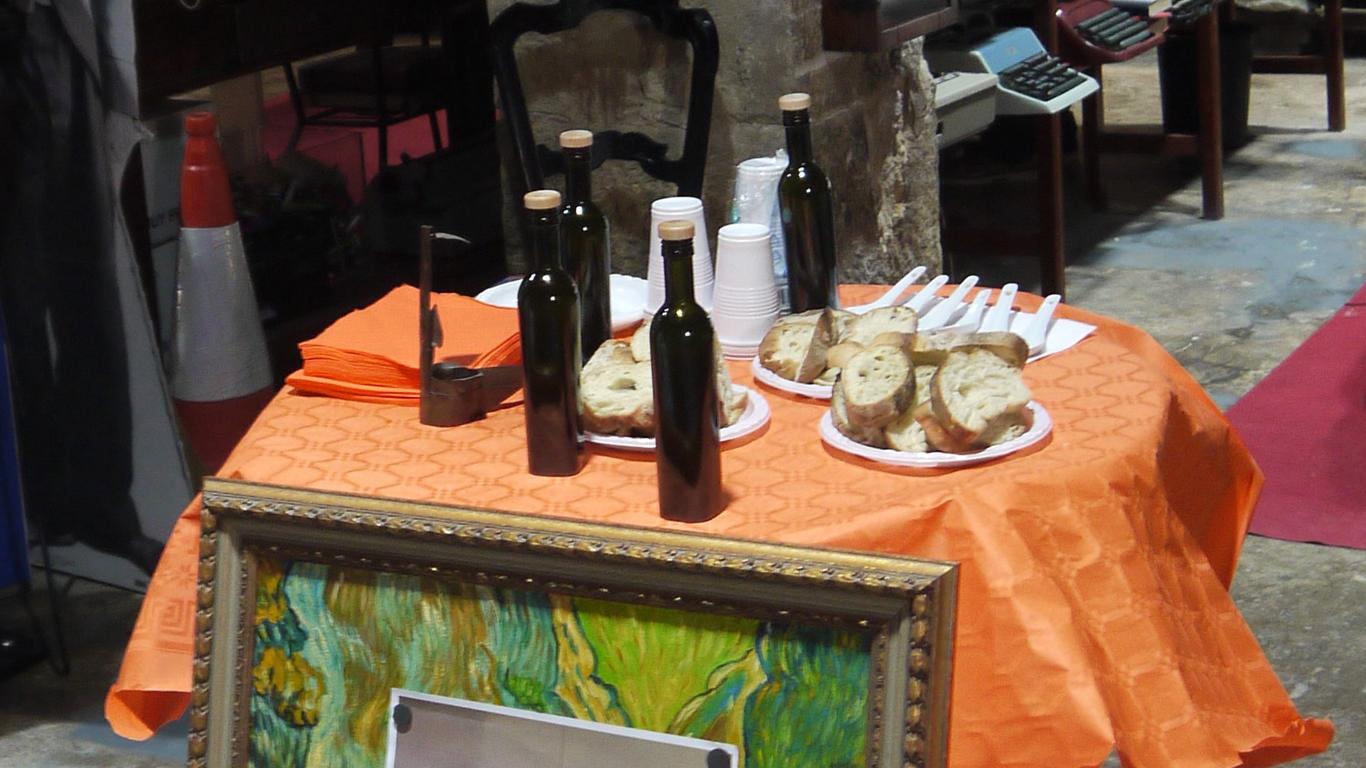 La Confraria de l'Oliva Arbequina Catalana celebra la Festa de l'Oli Nou a les Borges Blanques