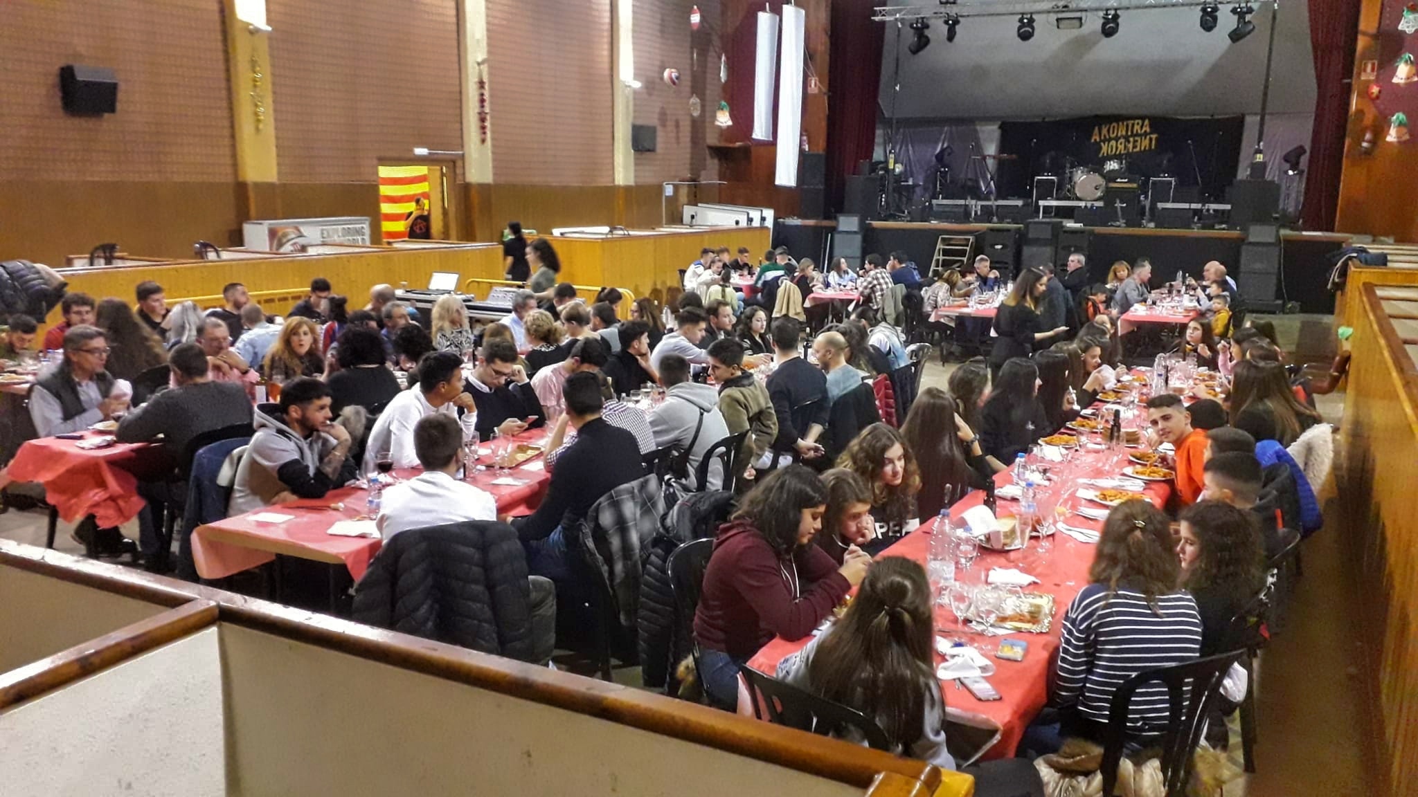 El Jovent de Castelldans celebra la seva festa de Nadal i renova la seva junta