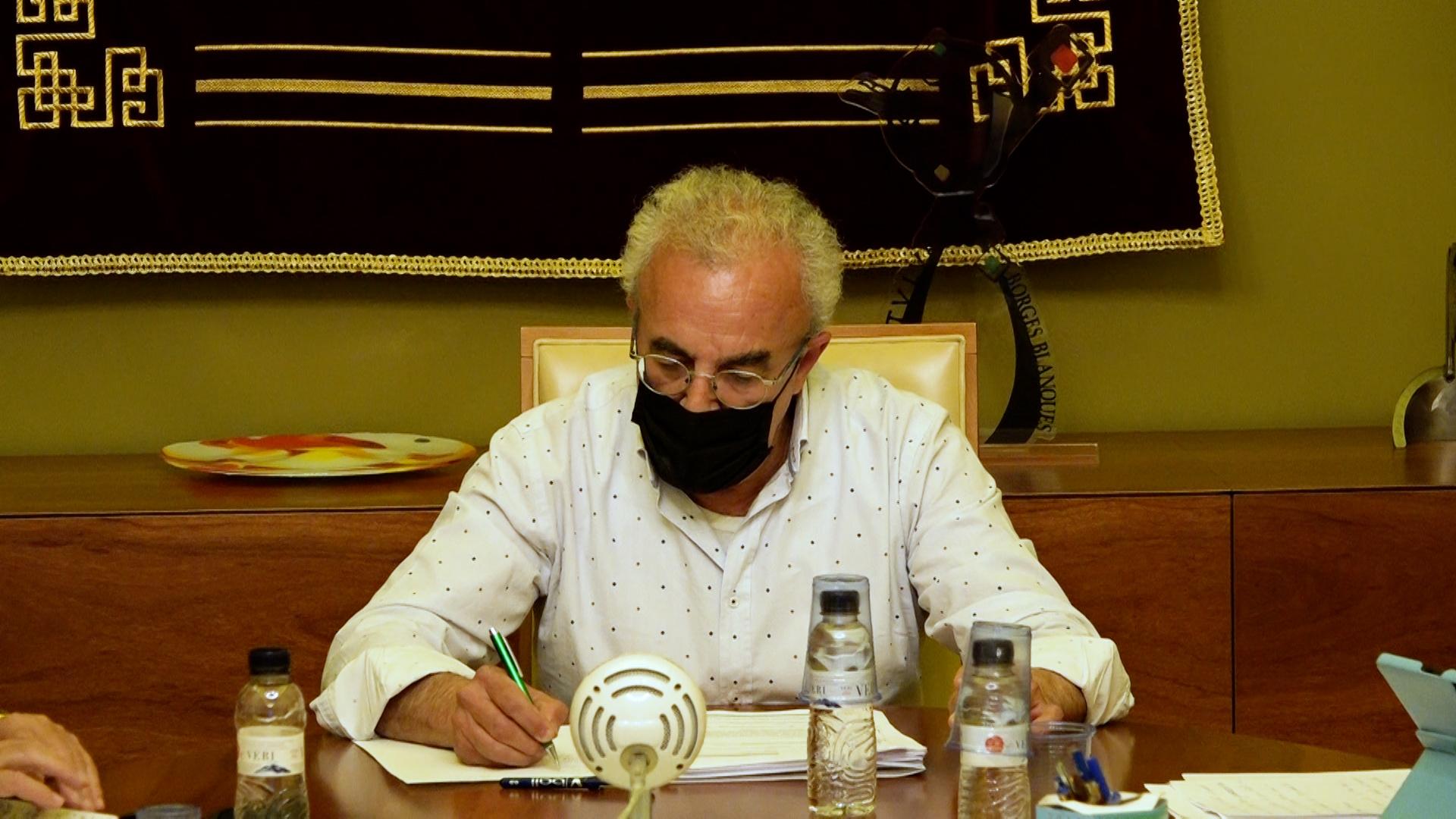Preparen el relleu de l'alcalde de les Borges Blanques, Enric Mir