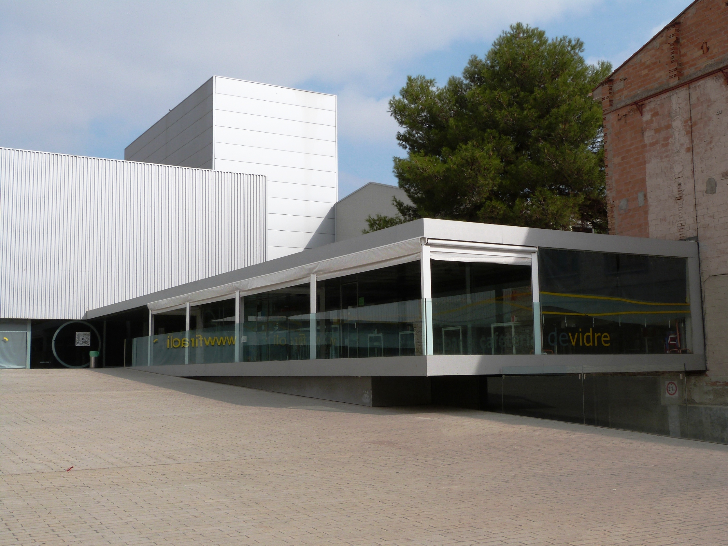 L'Ajuntament de les Borges treu a licitació la gestió del bar de Vidre del Pavelló de l'Oli